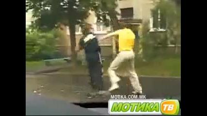 Жесток бой на улицата
