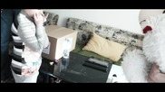 Тони и Евгени Иванов-Пушката Занесоха Празничен Пакет на Малката Валентина и Семейството й