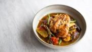 Пиле с домати и летни зеленчуци | Донал Скиан