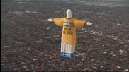 Статуя на Исус Христос летя над Мелбърн