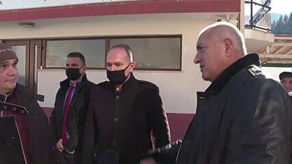 Борисов: Президентът да каже кои пари да спрем - на полицаи или на учители
