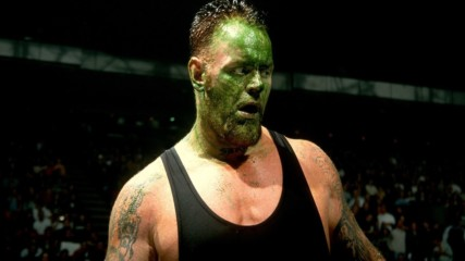 5 Superestrellas que le faltaron al respeto a The Undertaker: List This! (ESPANOL)