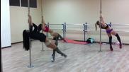 Страхотен Pole Dance от сексапилни Рускини !