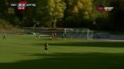 Салиф Сисе реализира третия гол във вратата на Оборище