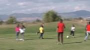 Детски футбол и много забава на голф игрище.