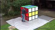 Най-голямото кубче на Рубик в света!