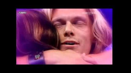 Edge се извинява на Vickie Guerrero,a тя признава,че е върHала The Undertaker 28.07.2008