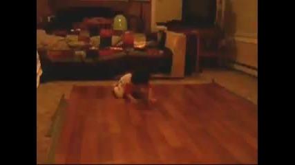 Бебе танцува брейк 3