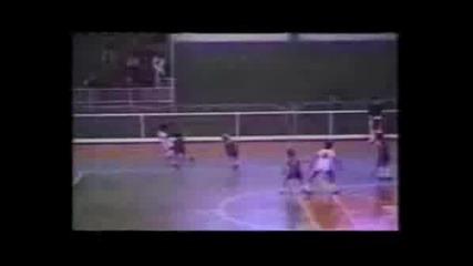 Ronaldinho Показва Техника