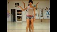 Момичета Танцуват на Daft Punk ( страхотно изпълнение )