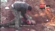 Терорист, изял сърцето на сирийски войник (видео 18+)