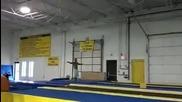 Гимнастик показва как се прави