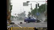Моторист Блъснат От Кола