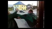 Пияни руснаци се бият пред кръчмата