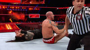 Roman Reigns vs. Cesaro – Intercontinental Title Match: Raw, December 11, 2017 (Full Match)