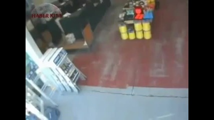 Ето как камерите в Турция са запечатали земетресението