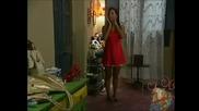 Каталина се опитва да излезе тайно но Илда и Албейро наблюдават отвън да не излезе