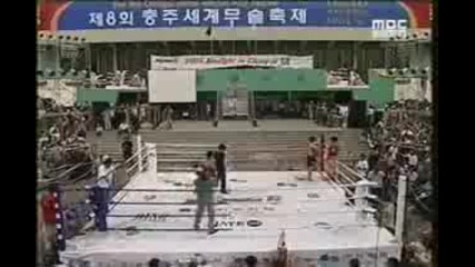 Taekwondo vs Muay Thai - Нокаут