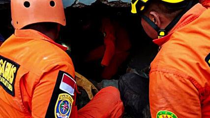 Indonesia: Dozens killed in powerful earthquake on Sulawesi island