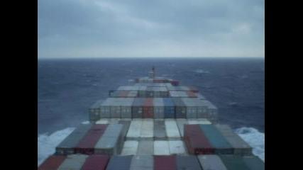 М/к Maersk Jeddah Минава Бискайският Залив