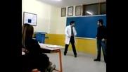 Луд Учител по математика