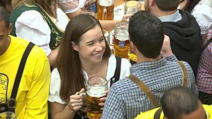 Prost! Thousands celebrate Oktoberfest in Hofbraeu tent