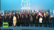 Turkey: Putin shakes hands with Obama during G20 leaders' photo op