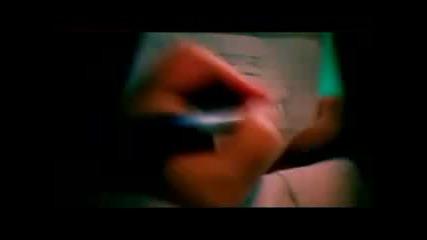 Взривяващ - вече и с видео!! Rihanna - S & M