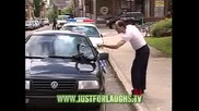 Скрита камера - тъжен полицай