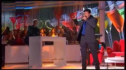 Sinan Sakic i Juzni Vetar- Sklonite case sa stola