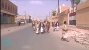 Bombing and Heavy Fighting Rock Yemen Despite Truce