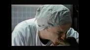 Баща бие лекаря заради едно шамарче за здраве към новородетното си дете - смях!