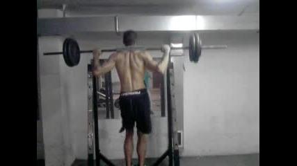 Упражнение за Крака 100 кг