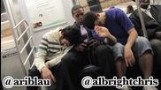 Щура шега в метрото ... Да те затиснат двама спящи :)