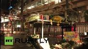 Тайланд: В Бангкок почитат жертвите на взрива със самоделен паметник