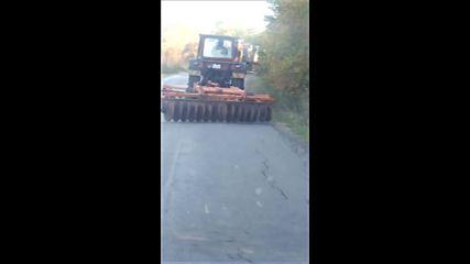 Разбиване на асфалт