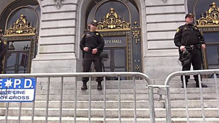 USA: Protests continue outside SF City Hall in support of 'Frisco 5' hungerstrikers