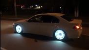 Тунинговано Bmw със светещи джанти