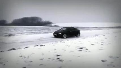 Забавлява на снега Opel Tigra