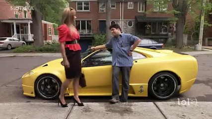 Смях ... Мъж се прави на тарикат с готина кола