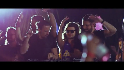 Dimitri Vegas & Like Mike vs Ummet Ozcan - The Hum ( Official Music Video )