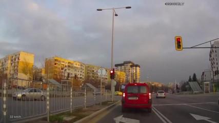 Минаване на червен светофар 47