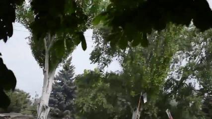 9-ти май 2014, Мариопул, Днр, Бтр на украинската армия унищожава билборд