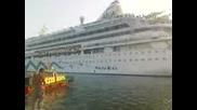 200-метровия кораб Aidaaura във Варна 2