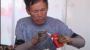Китаец си прави сам бионични ръце!
