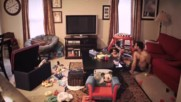 Стефани реши да провери какво прави мъжа й с техния син и сложи скрита камера!