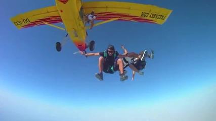 Скачане с Парашут в Дубай - Красота (май 2011)