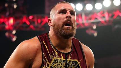 Riddick Moss turns on Mojo Rawley to capture 24/7 Title: Raw, Feb. 10, 2020