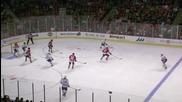 Хокеисти се размазват на леда!!