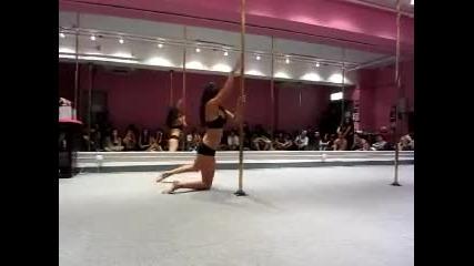 Страхотен танц на пилон
